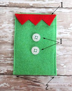 To make gift card giving a little more fun this year, I made these felt gift card holders. There's a Santa, a snowman, and an elf! Aren't they cute?! Easy enough even if you've never crafted before! Company Christmas Cards, Christmas Gift Card Holders, Gift Card Boxes, Christmas Gift Bags, Printable Christmas Cards, Felt Christmas Ornaments, Christmas Photo Cards, Christmas Crafts, Christmas Sewing