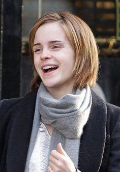 Sweet Short Haircut for Girls - Emma Watson Short Bob Hairstyles