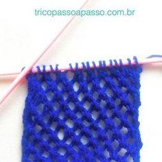 Mais um ponto lindo e fácil de tricotar. Ponto Ajour Oblíquo: Amostra: 18 pontos, agulha número 5. 1ª carr: 1m *1laç,2pjm* 1m 2ª carr: toda em tricô. 3ª carr: 2m *1laç,2pjm* 2m 4ª carr: toda em tricô. Repetir as 4 carreiras até obter o tamanho desejado. #tricopassoapasso #trico #tricô #tricot #knit #knitting #tejer #ponto #azul #blue #wool #passoapasso #feitoamao
