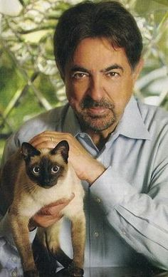 Joe Mantegna & his cat, Juliet.