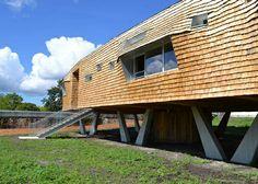 waaaat? | School building clad in chestnut shingles by Dauphins | Architecture