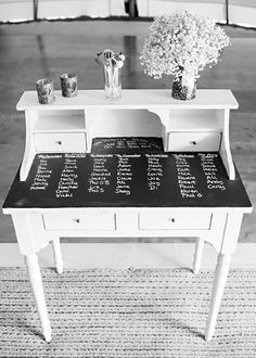 Stylish table & seating plan ideas perfect for your wedding or event. From modern to DIY inspiration. Seating Plan Wedding, Wedding Table, Table Seating, Seating Plans, Table Furniture, Refurbished Furniture, Furniture Redo, Blackboards, Seating Charts