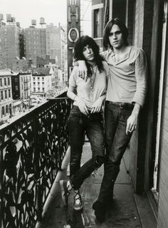 Patti Smith rockin the coolest espadrilles ever with Eric Andersen at the Chelsea Hotel in NYC 1973.
