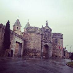 Puerta Antigua de Bisagra. Toledo