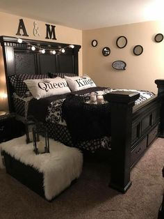 70 What No One Tells You About Black Master Bedroom Furniture Decorating Ideas 116 Bedroom Makeover, Master Bedrooms Decor, Bedroom Decor, Apartment Decor, Master Bedroom Furniture, Home, Bedroom Sets, Home Bedroom, Home Decor