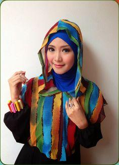 D'style Hijab Hadir dengan hijab instant fashion style warna-warni,inner cross menempel berbentuk hoddie.  CODE: Instan Hodie Rainbow Inner Cross attached Material : Inner : Spandex Rayon + Chiffon Type : Instan , Inner cross attached Colour: No.5 Retail Price : IDR 85.000 Order SMS 0823 1872 8888 PIN 2A26B0A1 KOLEKSI LENGKAP:  - http://pusatjilbabinstant.blogspot.com/  - https://www.facebook.com/pages/Pusat-Busana-Muslim-Modern-from-Dstyle-Group/519033388138429 Happy Shopping Thank You ^_^