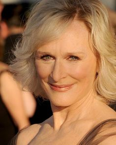 Copper hues keep Glenn Close looking warm and youthful, as does the soft smoky eyeshadow matched with a deep brown eyeliner on the top and lower lids.