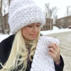 "Вязаная шапка с узором ""звездочки"" Crochet Stitches, Knit Crochet, Crochet Patterns, Crochet Hats, Hat Shop, Knit Fashion, Girl With Hat, Crochet Clothes, Knitted Hats"