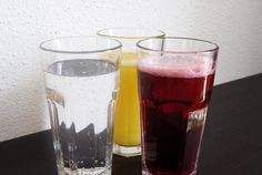 Viel trinken lautet die Devise an soooo heißen Sommertagen! Was ist euer Sommerlieblingsgetränk? Cocktails, Pint Glass, Beer, Tableware, Drinking, Craft Cocktails, Root Beer, Ale, Dinnerware