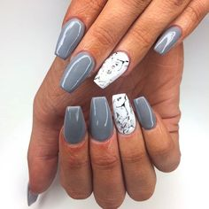 Marble will ALWAYS be our favourite here at NAF! Sleek & simple grey acrylic set by our expert #nafameeWanna book in with her? Click the link in our bio!