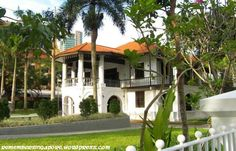 Former Sun Yat Sen Villa. Now known as Sun Yat Sen Nanyang Memorial Hall. Singapore Photos, Visit Singapore, French Colonial, British Colonial, Abandoned Mansions, Abandoned Places, Colonial Architecture, White Houses, 6 Years