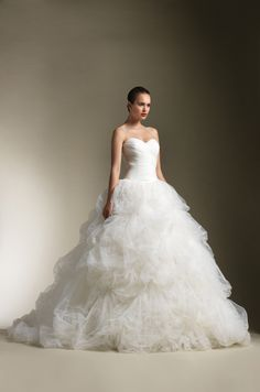Justin Alexander Style 8612 wedding dress. Floor length ball gown with sweetheart neckline. So simple but so beautiful.