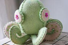 little octopus pincushion @Kelli Lincoln