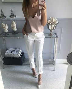 Fashion Outfits Women Work White Pants 48 Ideas For 2019 Mode Outfits, Chic Outfits, Fashion Outfits, Womens Fashion, Fashion Trends, Fashion Clothes, Girl Outfits, Fashion Sale, Paris Fashion