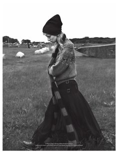 fashion editorials, shows, campaigns & more!: stephanie hall by dancian for wonderland winter Grunge Fashion, Fashion Art, Editorial Fashion, Fashion Show, Fashion Looks, Womens Fashion, Knit Fashion, Ladies Fashion, Fashion Over 50