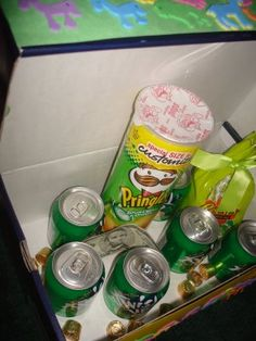 legend of the leprechauns....I will be doing this with my kids!  Story about leprechauns and make a box to leave out the night before...
