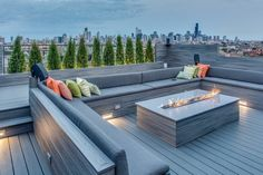 Cozy And Relaxing Rooftop Terrace Design Ideas You Will Totally Love Cozy And Relaxing Rooftop Design Ideas You Will Totally Love Rooftop Terrace Design, Rooftop Patio, Deck Patio, Deck Benches, Rooftop Lounge, Rooftop Gardens, Rooftop Bar, Terrasse Design, Fire Pit Designs