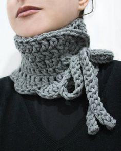 Crochet cowl chunky neck warmer 18 Ideas for 2019 Crochet Baby Cardigan, Crochet Shawl, Knit Crochet, Crochet Winter, Crochet For Kids, Laine Chunky, Style Tribal, Crochet Neck Warmer, Chunky Wool
