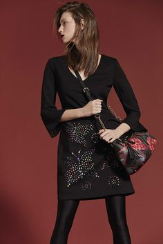 Special occasions? Are you waiting an elegant evening or a party night? Dress with the best choosing Desigual and check more about all Desigual dresses!