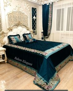 Wide edge border and top of bed border Draps Design, Designer Bed Sheets, Rideaux Design, Royal Bedroom, Bed Curtains, Guest Bedrooms, Luxurious Bedrooms, Bed Design, Home Decor Bedroom