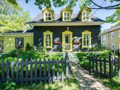 Ancestrale dans les Fonds de St-Antoine-re-Tilly bâtie en 1869. Elle est située au 4360 Rue de la Promenade, Saint-Antoine-de-Tilly, Quebec  G0S2C0 - 23691661 | Realtor.ca
