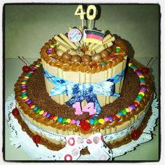 Torta de pirulin, Toronto, arequipe, dandy, cerezas y lluvia de chocolate para doble cumpleaños.