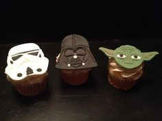 Hey, I found this really awesome Etsy listing at https://www.etsy.com/listing/173288024/star-wars-inspired-fondant-cupcake