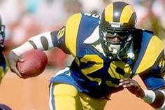Eric Dickerson- my favorite running back of all time. Still holds single season rushing record of 2105 yds American Football Players, Best Football Players, Football Memes, School Football, Eric Dickerson, Nfl Rams, Nfl Photos, Superbowl Champions, Sports Uniforms