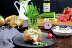 Ofenkartoffel mit cremigen Gemüse - Kräuter - Quark