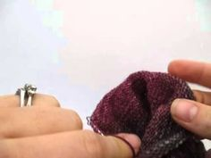 How to Knit: Heel Flap on 9 inch Circular Needles Knitting Club, Knitting For Charity, Knitting Help, Sock Knitting, Knitting Videos, Knitting Projects, Knitted Slippers, Knit Socks, Knitted Gloves