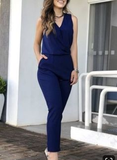 8 Casual Outfits You Should Wear To Look Younger - The Finest Feed - Classy Outfits Summer Work Outfits, Casual Work Outfits, Office Outfits, Work Attire, Work Casual, Classy Outfits, Chic Outfits, Fashion Outfits, Outfit Work
