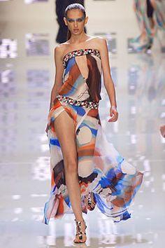 Versus Versace Spring 2004 Ready-to-Wear Fashion Show - Donatella Versace, Ana Mihajlovic