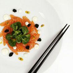 My sashimi with passionfruit, yum! Sashimi, Vinaigrette, Panna Cotta, Cooking, Ethnic Recipes, Food, Kitchen, Cuisine, Koken