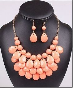 Beautiful Tear Drop Earring and Necklace Set