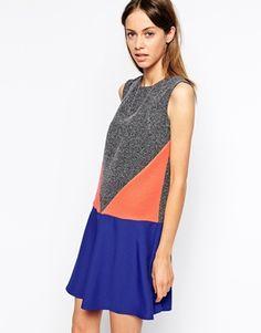 Vergrößern The Laden Showroom X Katka Rosanna – Kleid mit geometrischer Bahn
