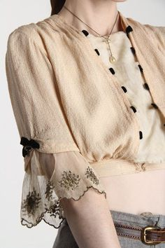 Sleeves are such an important part of clothes as it is one of the first things you see in a garment. They should fit properly and be comfortable to wear as well. Sleeves Designs For Dresses, Sleeve Designs, Blouse Designs, Sewing Sleeves, Lace Sleeves, Fashion Details, Fashion Design, Indian Designer Wear, Mode Inspiration