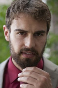 New promotional pictures of Theo James for 'War On Everyone'