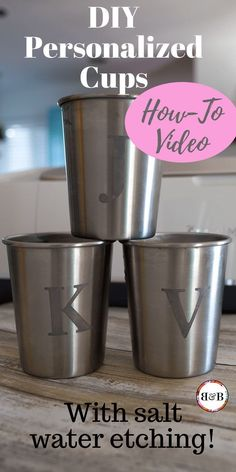 Tired of half-filled cups of water littering your kitchen counters (and bathroom and bedrooms and patio)? Personalized cups for your family members means eliminating oodles of dishwashing! This salt water etching technique for engraving stainless steel is Diy Interior, Stainless Steel Cups, Cricut Tutorials, Cricut Ideas, Cricut Craft, Cricut Vinyl, Personalized Cups, Baby Shower, Craft Videos