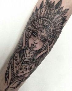 Tattoo Arm Frau, Frau mit indischem Komppschmuck - tattoos for women Neue Tattoos, Body Art Tattoos, Girl Tattoos, Tattoos For Guys, Tatoos, Skull Tattoos, Tattoo Owl, Woman Tattoos, Tattoos For Forearm