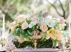 Elegant wedding centerpieces: Finding wedding centerpieces that meets your style is usually tough. Let us help you make the best pick! Check out our Free guide on wedding centerpieces, it will help you make a choice fast and easy. Wedding Pins, Wedding Shoot, Wedding Flowers, Cascading Flowers, Wedding Ideas, Wedding Table, Wedding Colors, Wedding Stuff, Gold Centerpieces