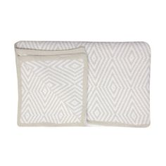 Kashwere Diamond Throw Malt and White @Layla Grayce