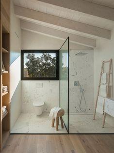 Современный дом с теплыми интерьерами в Испании   Пуфик - блог о дизайне интерьера