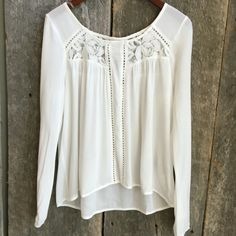 \\white lace\\ #bellaragazzaboutique #blouse #white #flowy #boho #lace