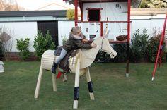 Volitirpferd Holzpferd Bauanleitung zum selber bauen Horse Bridle, Wooden Horse, Woodworking Projects For Kids, Diy Toys, Little Ones, Barn, Horses, Bosch, Outdoor Decor