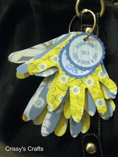 Hands to remember. Trace your child's hand every first day of school and place on a key ring as a great keepsake