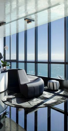 Nieto Design Group love the circular seating for rooms with a view! #theluxegen