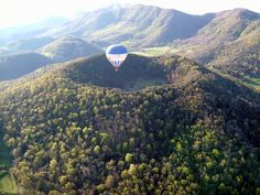 Experience a hot air balloon flight over the Natural Park of the Volcanic Area of La Garrotxa, between the Pyrenees and the Costa Brava. Flight lasts about 1h30min while enjoying the panoramic views at 2000 m high, we will be toasting with cava and a traditional local pancake. An adventure for the nature lovers and for people who are looking for new sensations, willing to leave the bustle of Barcelona behind.