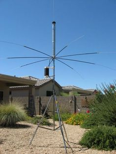 The covers 10 through 80 meters with supplied 6 foot whip. Radios, Qrp, Ham Radio Antenna, Survival, Morse Code, Wind Turbine, Communication, 3d Printing, Backyard
