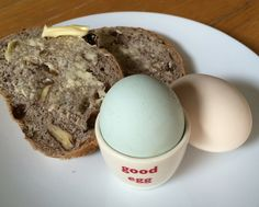 Good blue egg with pecan and sultana bread.