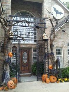 Top 17 Halloween Front Porch Decor – Unique & Easy Holiday Interior Design Project - Homemade Ideas (6)